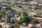 Tiflis'te eski ve yeni yanyana